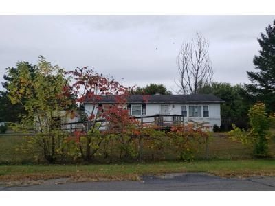 3 Bed 1 Bath Foreclosure Property in Tunkhannock, PA 18657 - Gum Tree Dr