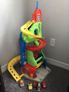 Fisher Price Little People each track w/five cars