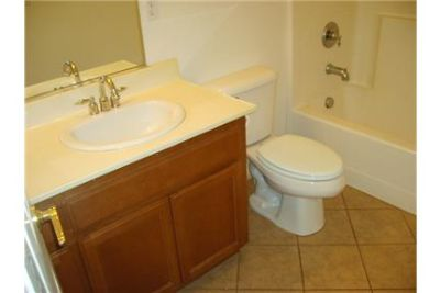 House for rent in Lemoore. Washer/Dryer Hookups!