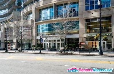 Luxurious Highrise w/ City Views-1 Bed- Heart of Midtwn