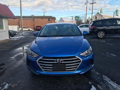 2017 Hyundai Elantra 4door sdan se (blue)