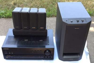 Vintage Pioneer Receiver VSX-406 100 watts & Sony S.A.W. Subwoofer SA-WMS230 & 5 Sony Speakers