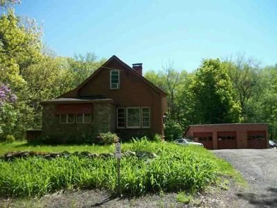 2 Bed 1 Bath Foreclosure Property in Hubbardston, MA 01452 - Gardner Rd