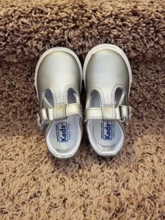 KEDS - toddler size 6 wide