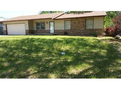3 Bed 3 Bath Foreclosure Property in Mulvane, KS 67110 - April Dr