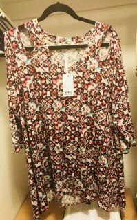 New with tags 1X blouse