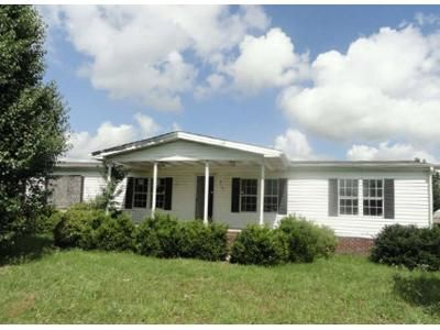 4 Bed 3 Bath Foreclosure Property in Orrum, NC 28369 - Water Tower Rd