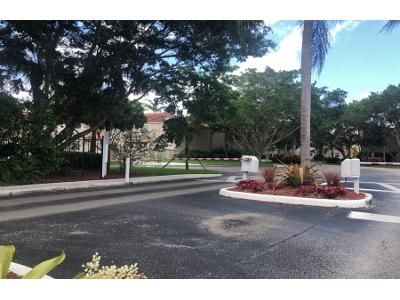 3 Bed 2.5 Bath Preforeclosure Property in Hollywood, FL 33026 - Chandler Dr