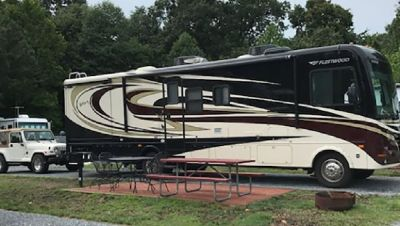 By Owner! 2011 34ft. Fleetwood Terra w/2 slides