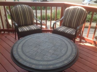 Outdoor chairs/pads and cocktail table