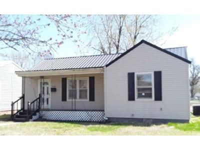 2 Bed 1 Bath Foreclosure Property in Miami, OK 74354 - J St NW