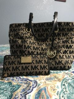 Authentic MK purse & matching wallet