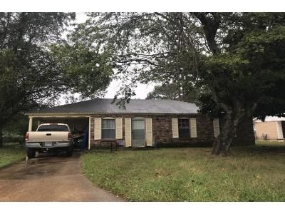 1.5 Bath Preforeclosure Property in West Helena, AR 72390 - Cooke