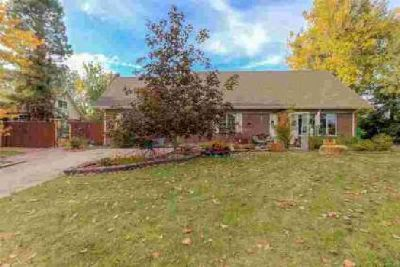 855 Opal Way Broomfield Two BR, This lovely home sits on a