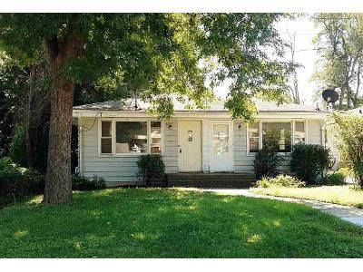 2 Bed 2 Bath Foreclosure Property in Rockford, IL 61108 - 15th Ave