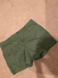 Old Navy shorts sz 16 (barely worn)