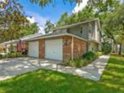 612 Maple Oak Circle #216