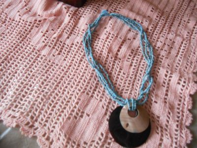 "18"" Necklace w/Genuine Sea Shell Mother Pearl w/ Small Turquois Color Beads!"