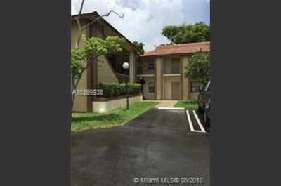 CONDO IN CORAL SPRINGS 2 BEDROOMS 2 BATHS ON THE 1ST FLOOR.