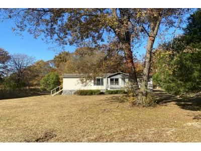 3 Bed 2 Bath Foreclosure Property in Ardmore, OK 73401 - Comet Rd