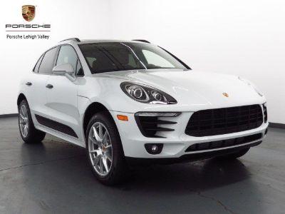 2018 Porsche Macan (Carrara White Metallic)