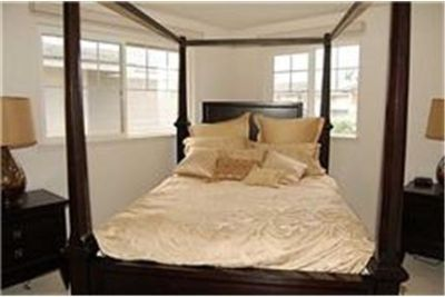 Fully Furnished 3 bedroom / 3 bathroom 1, 625 foot Twnhs with parking for 2 Cars