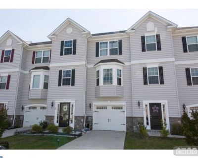 $2400 3 townhouse in Dover