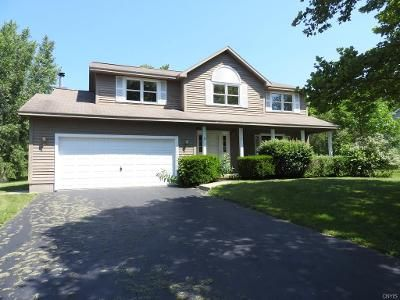 4 Bed 3 Bath Foreclosure Property in Baldwinsville, NY 13027 - Foxwood Dr