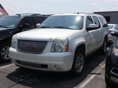 2011 GMC Yukon XL Denali (White)