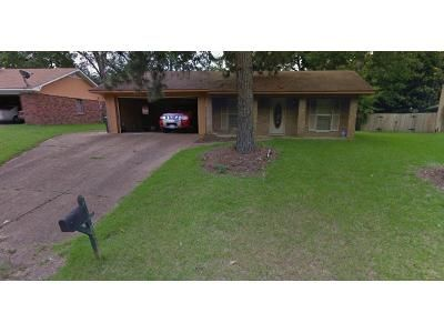 Foreclosure Property in Jackson, MS 39212 - Sharon Hills Dr
