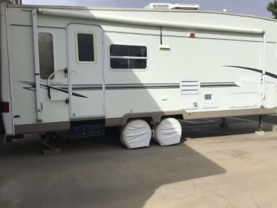 2003 Trail Bay 5th wheel, 27 ft.