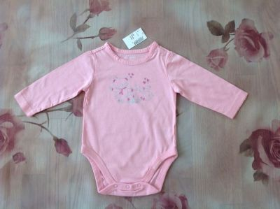 New with Tags the Children's Place Baby Girl Cotton Bodysuit, size 3-6 month