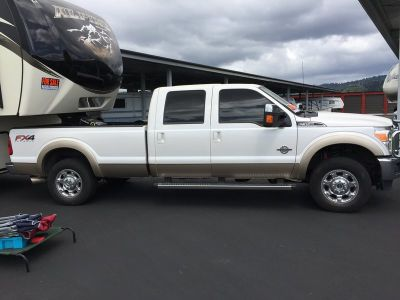 2013 Ford F-350 Lariat 4 door 8\' bed 4WD