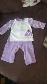 2 piece outfit size 9 mos