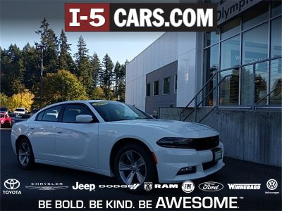 2016 Dodge Charger SXT (Bright White Clearcoat)