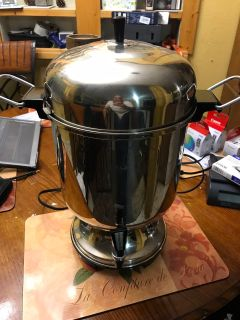 Farbeware automatic percolator 12-55 cup/ great for parties or small events
