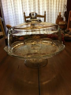 Vintage glass cake plate with lid