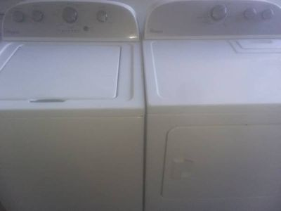 Like New! Whirlpool Washer Dryer Set