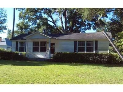 2 Bed 1 Bath Foreclosure Property in Summerton, SC 29148 - Briggs Ave