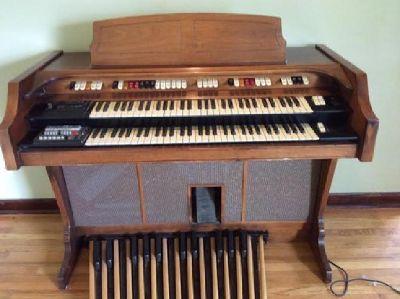 CONN Deluxe Rhapsody 628 - Type 4 Organ
