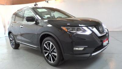 2018 Nissan Rogue SL (MAGNETIC BLACK METALLIC)