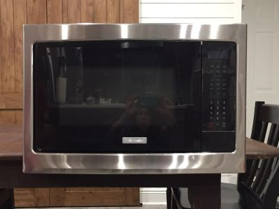 Electrolux Built In Microwave With Stainless Trim
