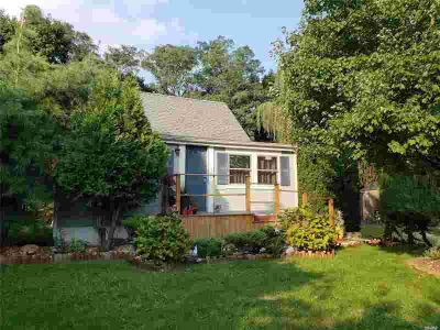24 E Hill St Wading River Three BR, Lovely 100X100 Property