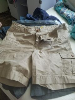 New WO/tags mens cabelas shortssize 12..need sold asap