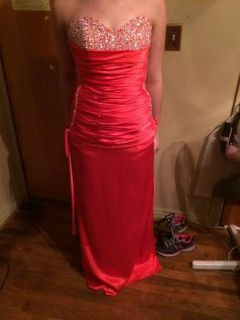 PROM DRESSES FORSALE (Riesel)