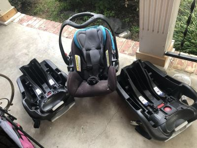 Baby trend car seat/3 bases/ stroller combo