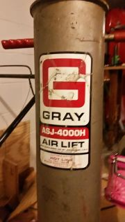 $500, Gray bumper air jack