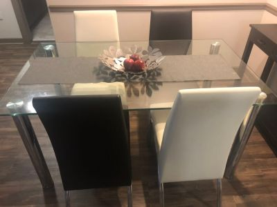 Dining Room Set Table & 4 Chairs