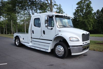 2014 Freightliner SPORTCHASSIS M2-106