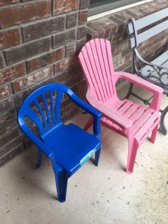 Outdoor Kids Chairs. $3 for both. Quick pick up behind YMCA
